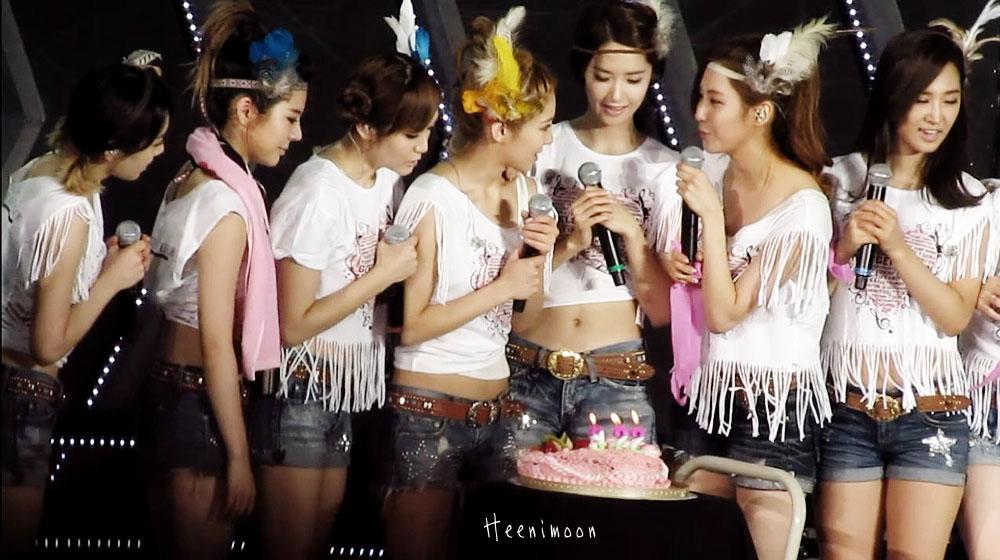 SNSD Hyoyeon celebrates birthday in Taipei