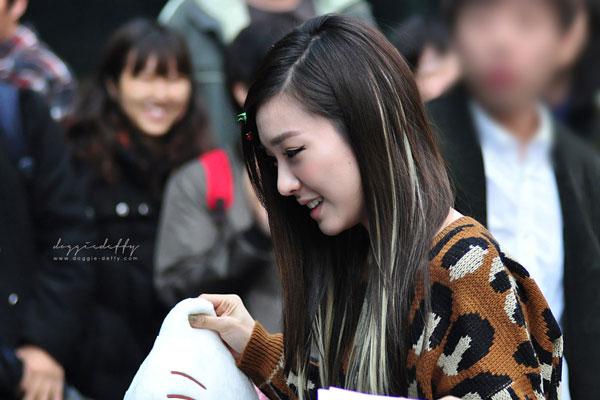 SNSD Tiffany and Hello K