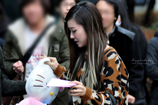 SNSD Tiffany and Hello Kitty