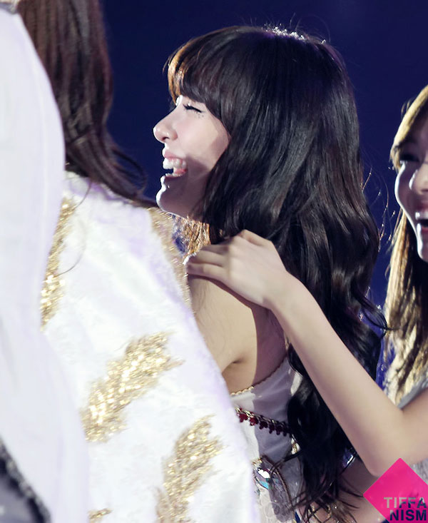SNSD Tiffany and Jessica MAMA 2011