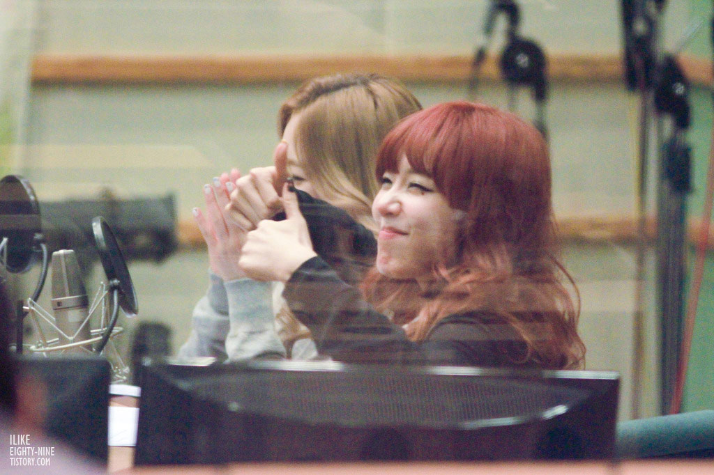 SNSD Tiffany Taeyeon Kiss The Radio